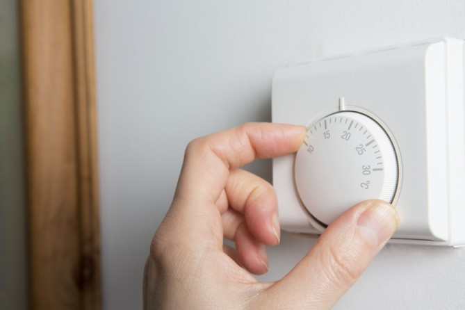 how to change temperature on thermostat